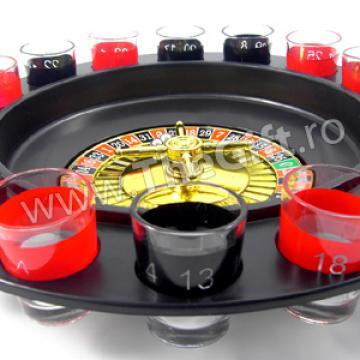 Ruleta de casino, cu bauturi