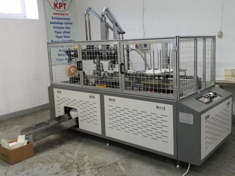 Masina de produs caserole alimentare de la Kronstadt Papier Technik S.a.
