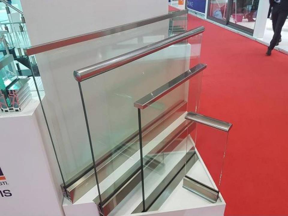 Balustrada geam