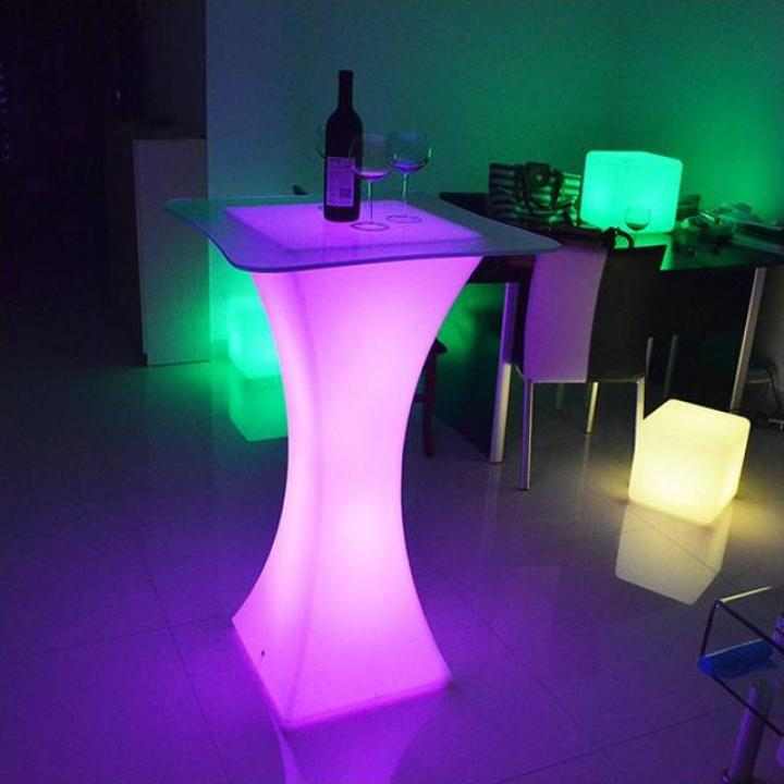 Masa cocktail patrata iluminata LED rgbw, cu joc lumini